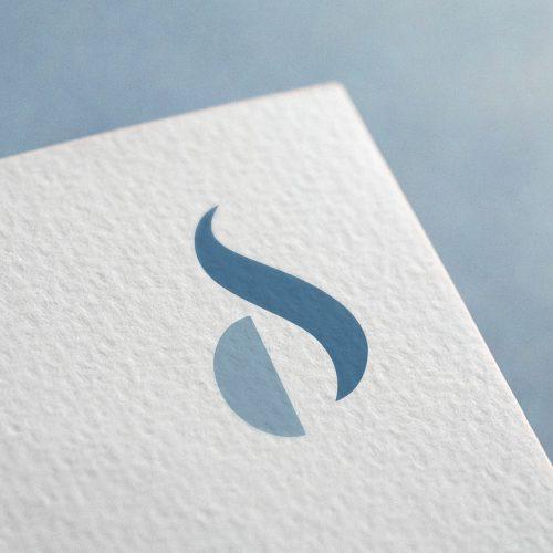 1AM Chiara Sinchetto Identità visiva, logo mockup di Laura Calascibetta graphic designer rid